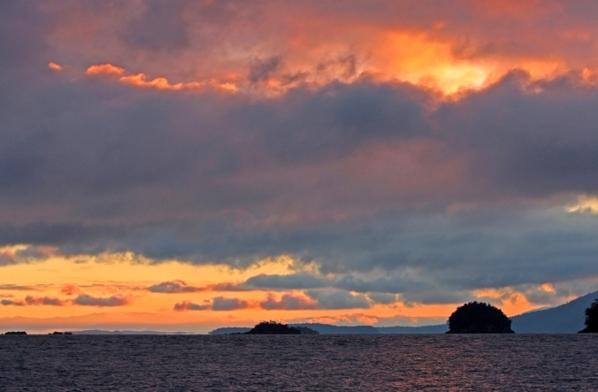 Mayne Island dawn Dec 30 2012 by Terrill Welch 2012_12_30 060
