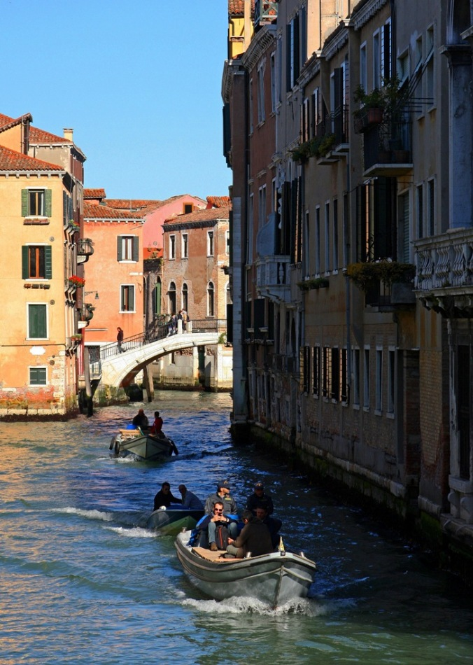 heading to work Venice by Terrill Welch 2014_04_16 042