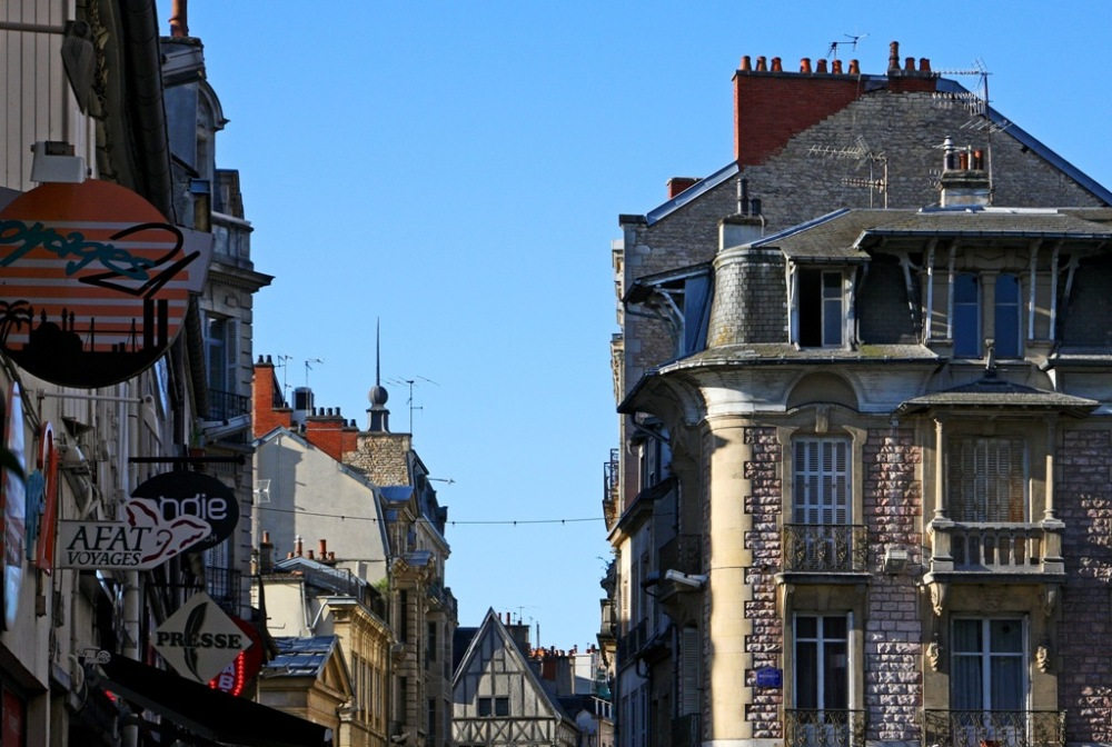 April morning in Dijon France (2/6)