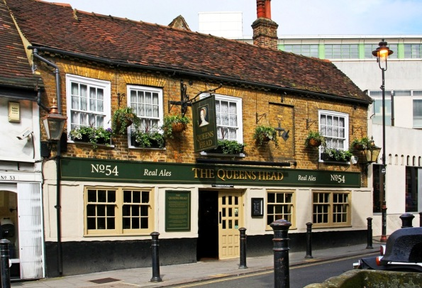 The Queens Head Uxbridge England by Terrill Welch 2014_04_05 047