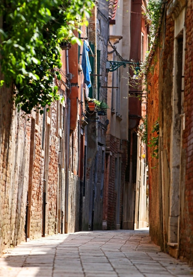 wabi sabi street in Venice Italy by Terrill Welch 2014_04_19 092
