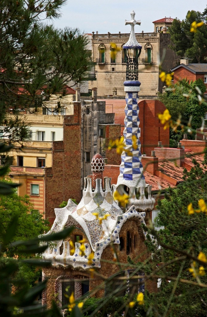 At the edge of Park Guell by Terrill Welch 2014_05_27 068