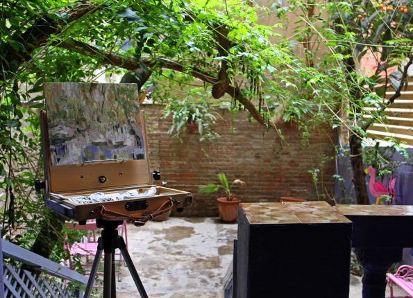 Painting in a Barcelona Courtyard by Terrill Welch 2014_05_25 111