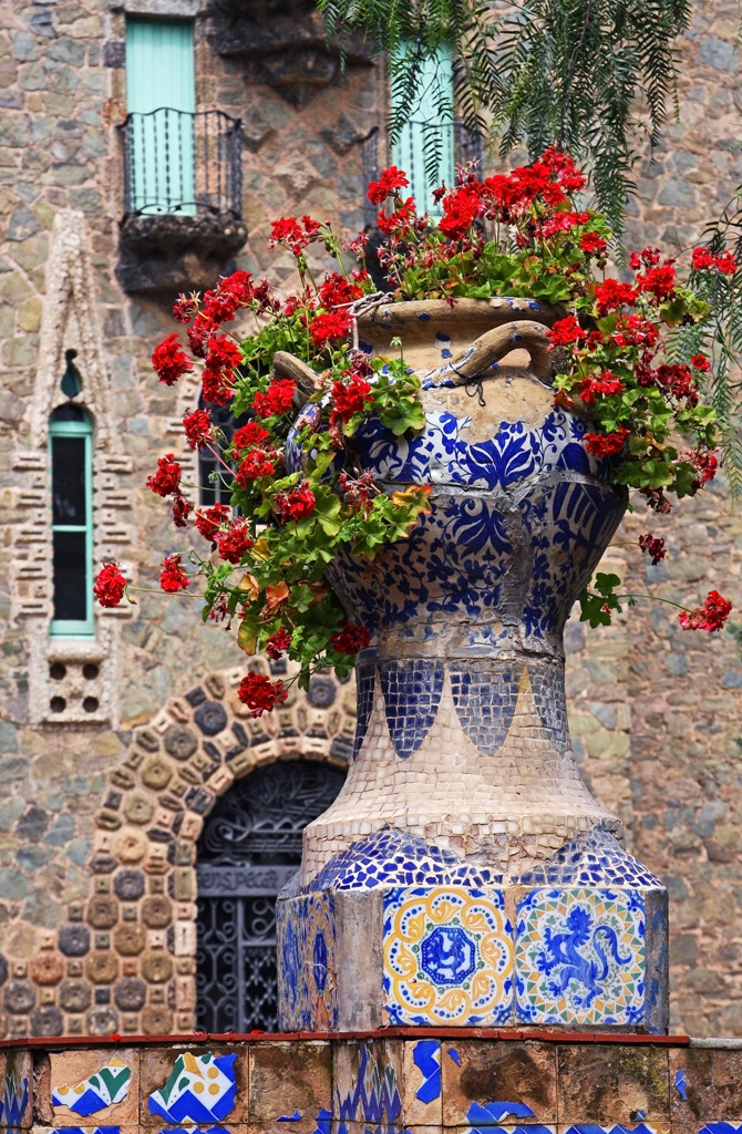 Barcelona spain through the eyes of a traveling artist for Barcelona jardin gaudi