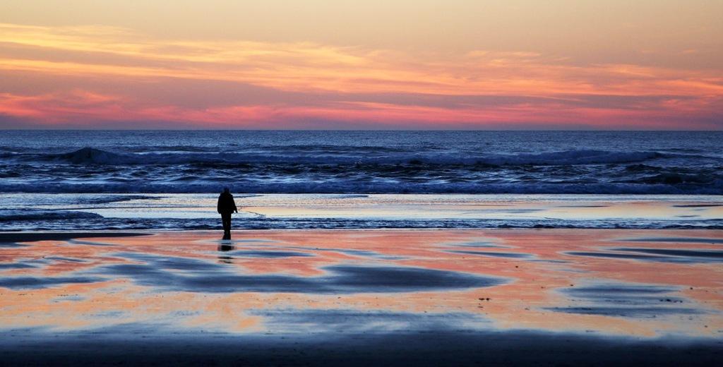 Lone figure sunset Neskowin Oregon by Terrill Welch 2015_02_21 556
