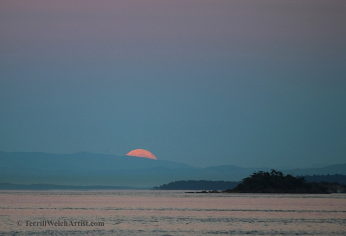Tip of Blue Moon rising from Mayne island by Terrill Welch 2015_07_31 052